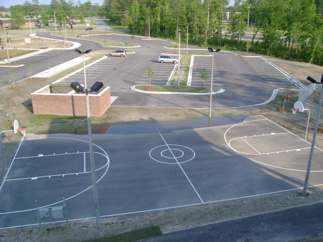 Site 1150 - Parking lot B & basketball court